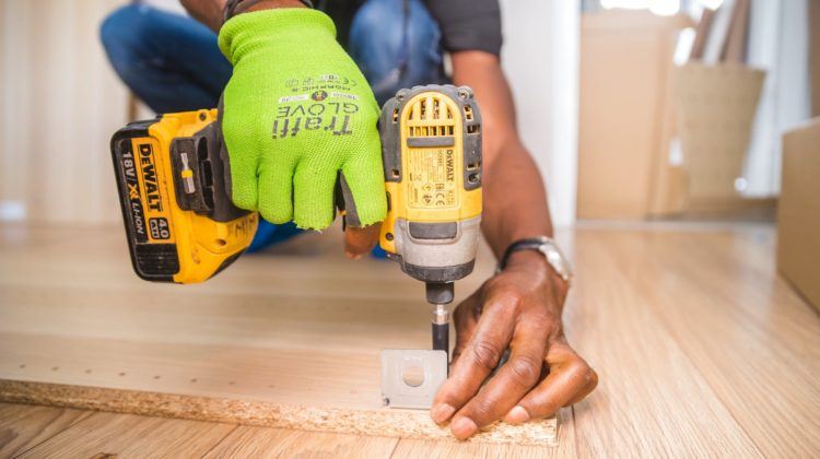 choosing the right drill bit for material